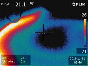Gebäudethermografie der Fußbodenheizung kalte Bereiche, Wärmelecks