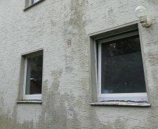 Alte Fenster in Außenwand große Zugluft, Feuchtekondensat auf Außenwand