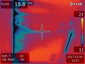Wand-Dachanschluss Thermografiebild, Schimmelpilzgefahr