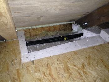 Luftdichtheitstest Dachstuhl nach Gebäudesanierung, Energieberater Hof Nürnberg