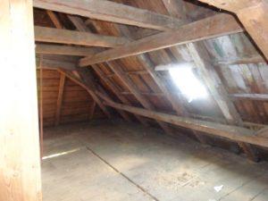 Dachstuhl Denkmalschutz, Einbau einer Dachdämmung, Ensembleschutz