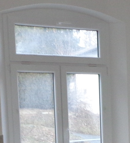 Fensterfalzlüfter im Fenster, Energieberater richtig lüften, Hof Erlangen Nürnberg Luftdichtheitsmessung, Fürth Erlangen selb